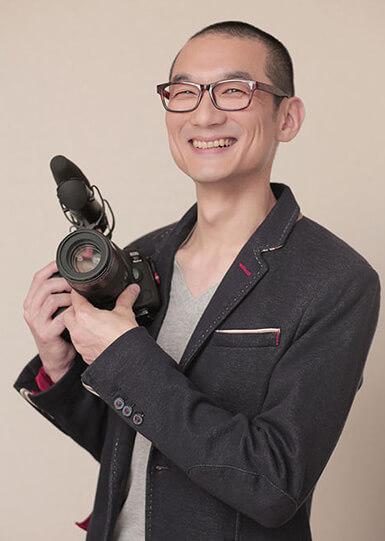 カメラマン 岡野 淳
